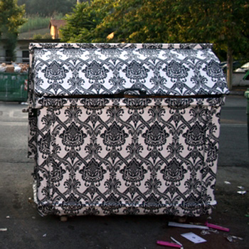 Наклейки для металлических контейнеров